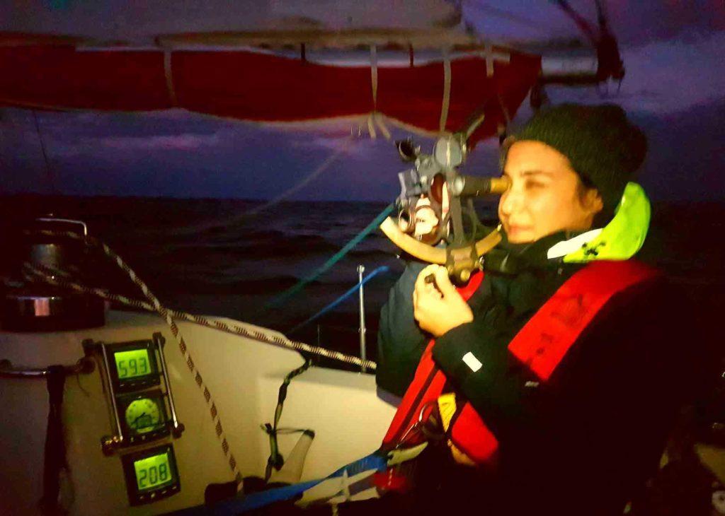 Navegar-nocturna-sextante-medicion-observacion